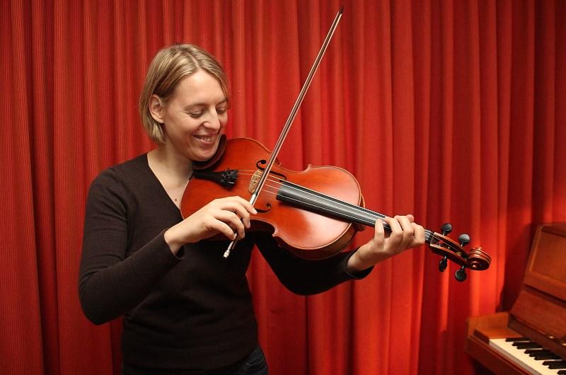 Geigenunterricht in Oldenburg mit Solobratschistin Cordula Mansel